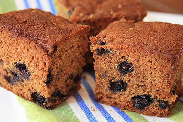 Blueberry Gingerbread is a wholesome snanck that's easy to prepare