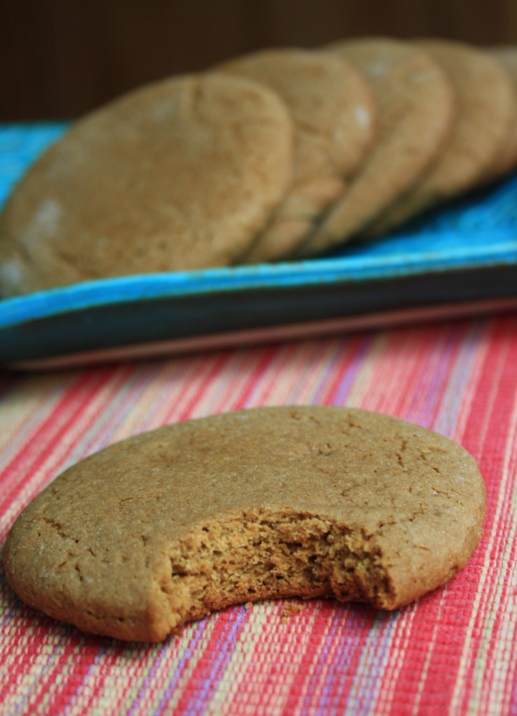 The texture of these cookies is lovely and light, almost a little biscuit like. And they're not too sweet.