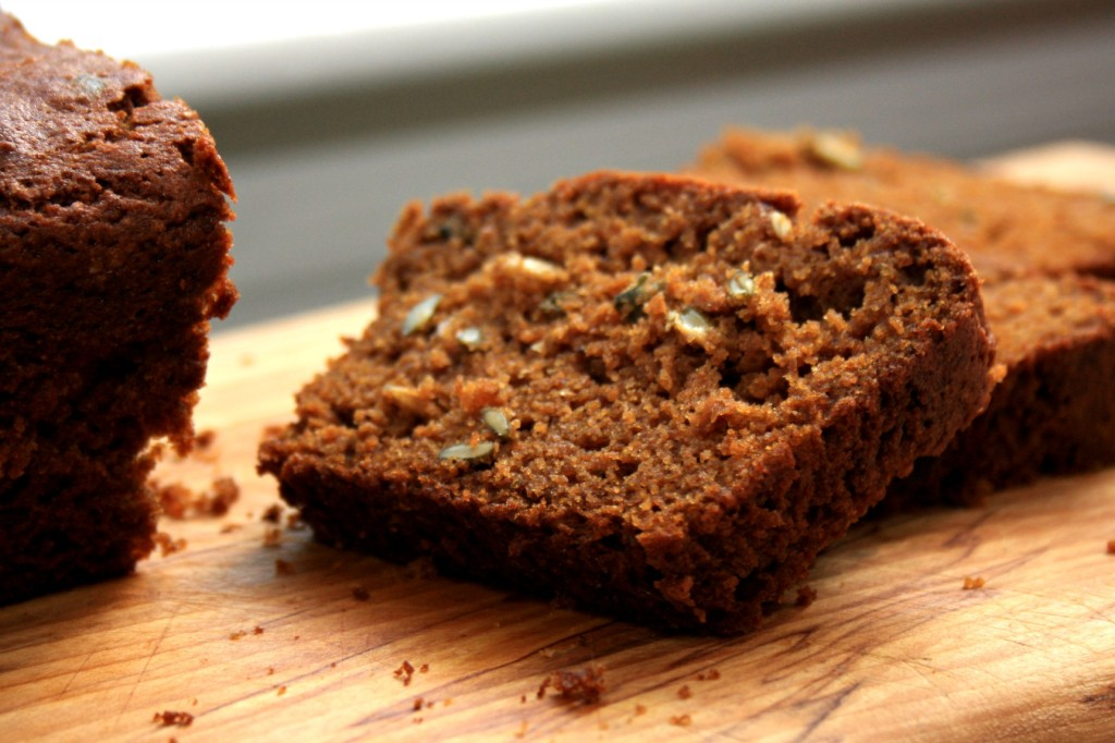 Spicy pumpkin bread with molasses