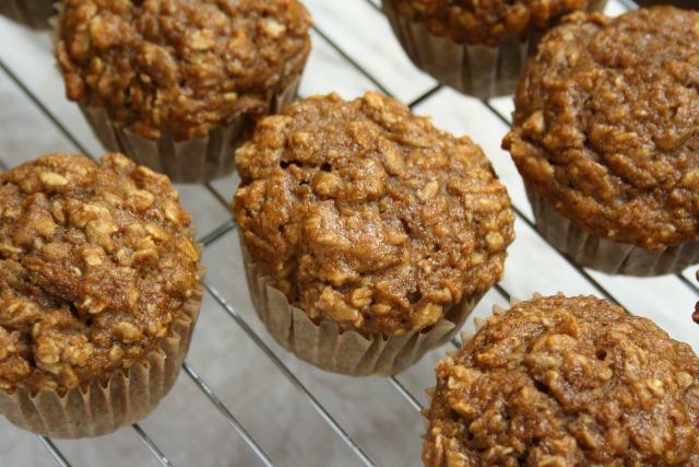 apple chai muffins