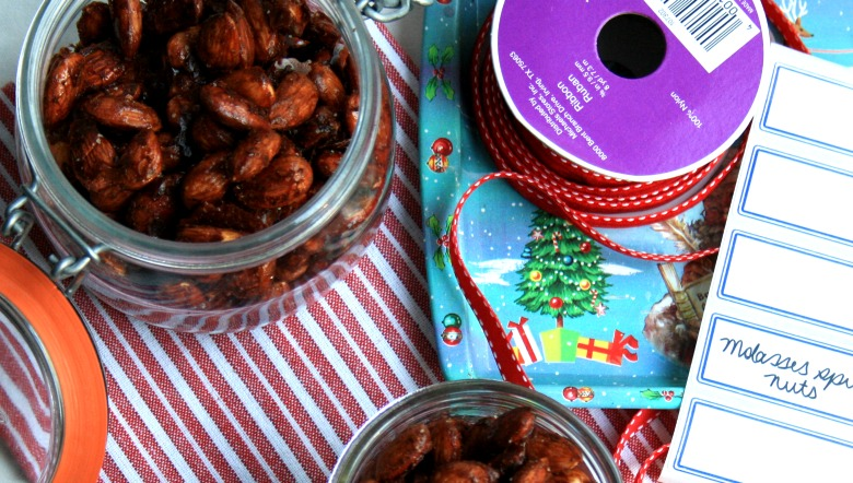 Gingerbread-spiced-nuts-top-down1