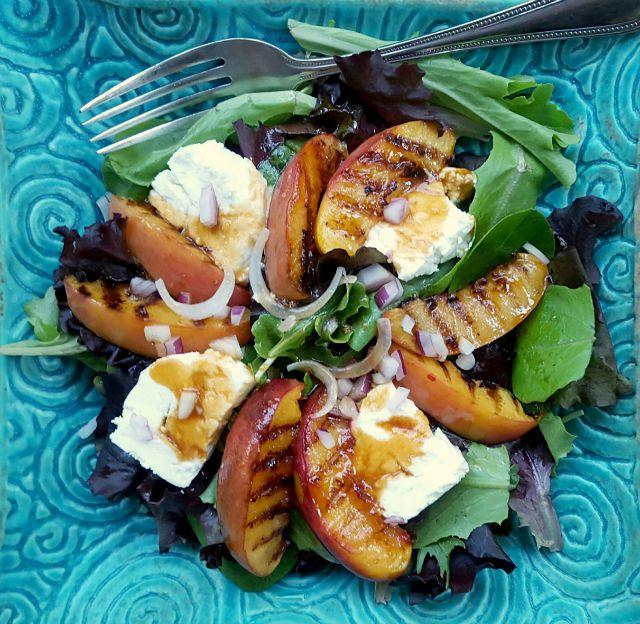 Salade de nectarines grillées
