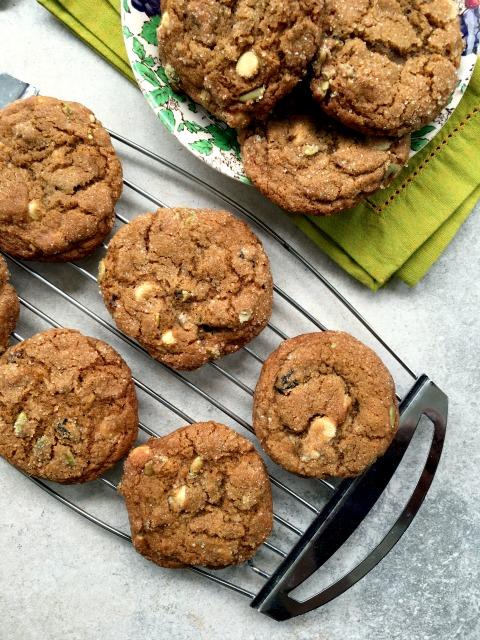 Biscuits à la mélasse mélange-collation. Si vous cherchiez le biscuit parfait pour les activités d'été, le voilà!