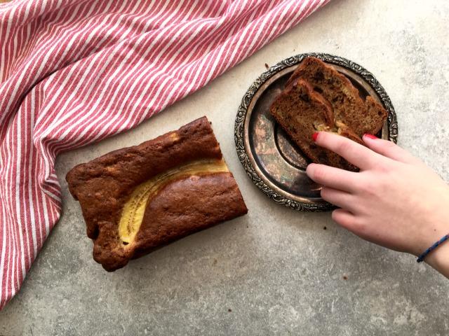 Pain de blé entier aux bananes et brisures de chocolat