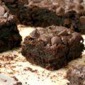 Brownies santé aux courgettes sont moins gras que les brownies habituels, mais restent moelleux et fondants.