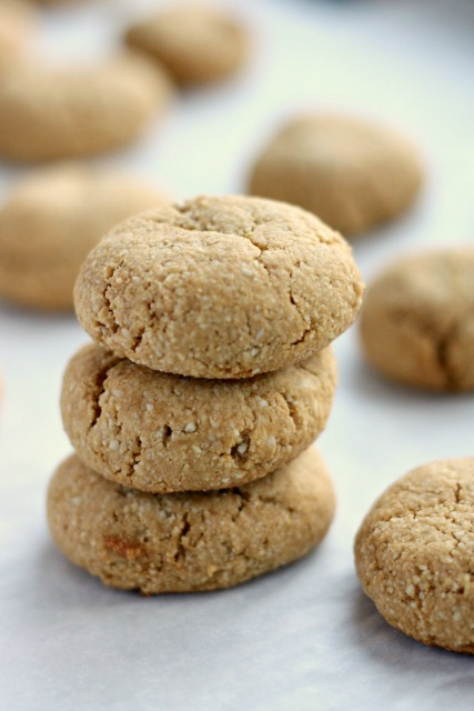 trois biscuits à l'amande