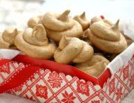 Meringues à la mélasse et aux noix et épices