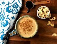 Café latté à la noix de cajou