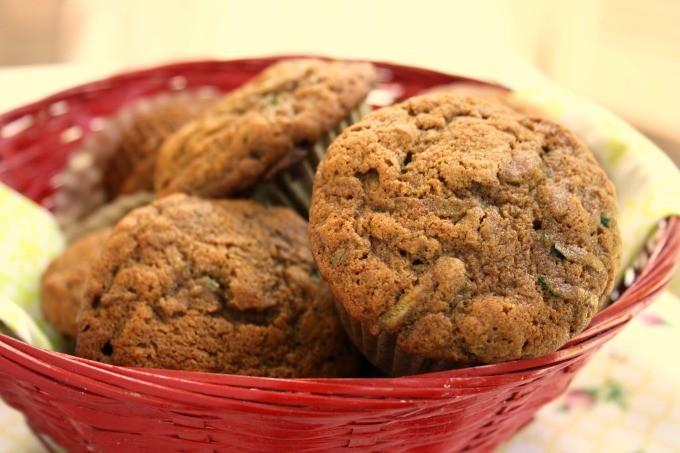 Muffins au blé entier aux courgettes et à la mélasse