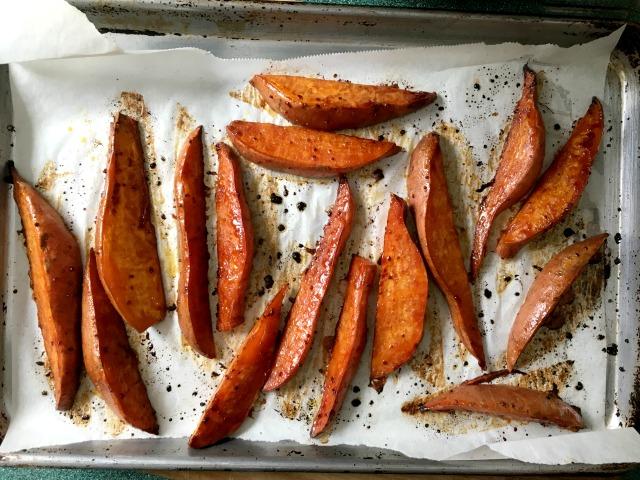 Patates douces rôties à la mélasse épicée