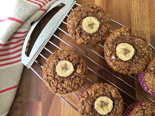 Muffins au son et à la banane : Ils contiennent plein d'ingrédients sains et beaucoup de fibres, ce qui aide à se sentir rassasié plus longtemps.