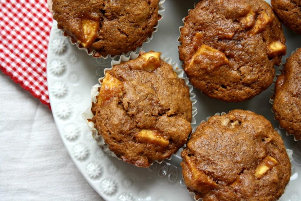 Muffins de ble entier pomme-cannelle à la mélasse