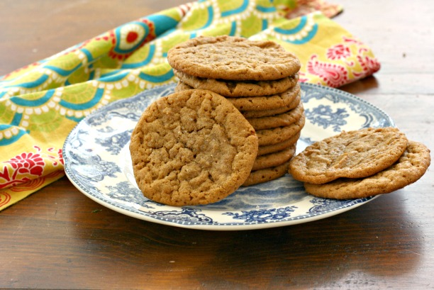 biscuits au beurre d'arachide dans une assiette